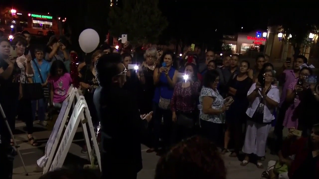 Fans say goodbye to Juan Gabriel, gather outside canceled show